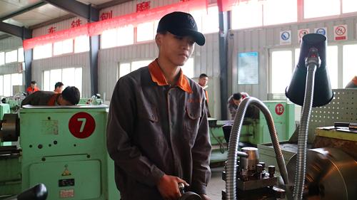 杨强同学获2018自治区级车工技能大赛二等奖
